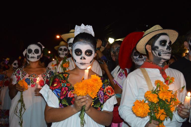 Day of the Dead/Dia de Los Muertos
